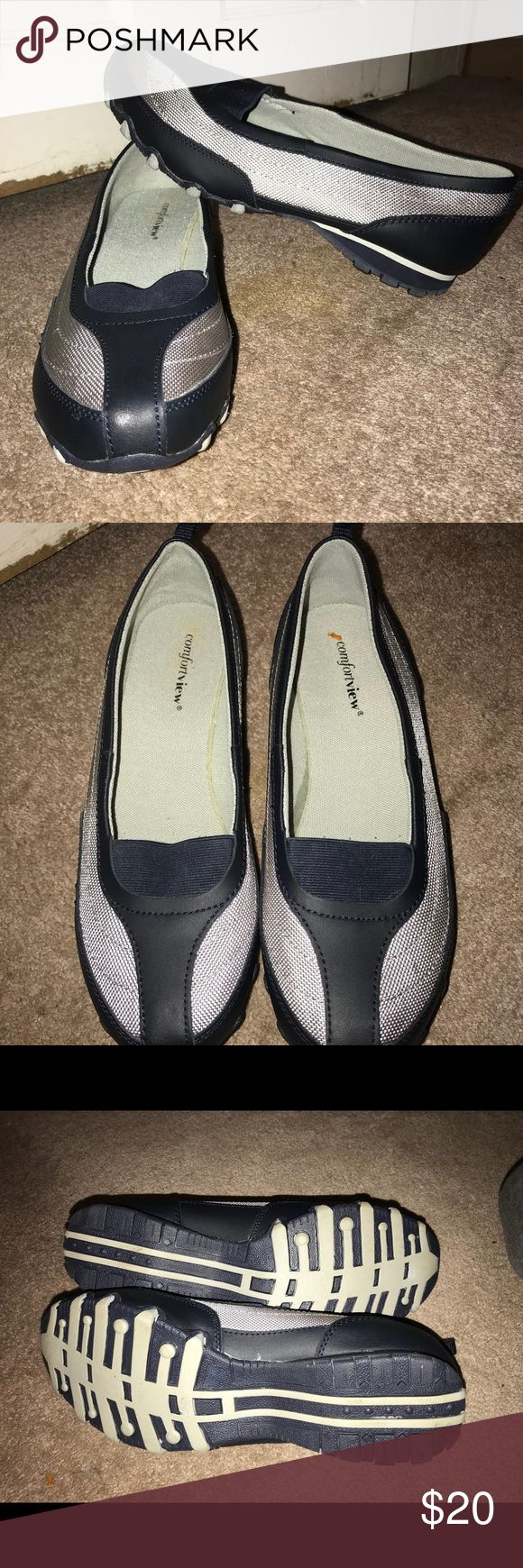 Easy spirit ladies shoes Never wore. Wide width Easy Spirit Shoes
