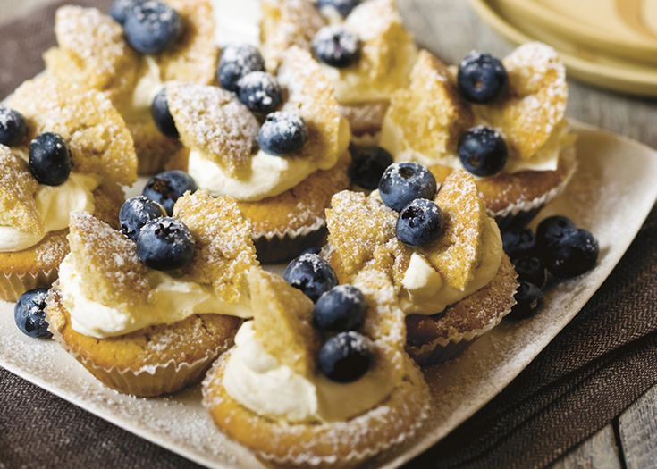 mum's butterfly cakes | perfect for dinners and childrens' parties, the look and taste of these little cakes will charm people of all ages. #blueberries #cakes #dessert #recipe #foodwise