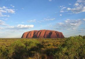 Australie avec Ayers Rock et le site sacré aborigène d'Uluru - L'opéra de Sydney - La grande barrière de corail - Le parc national de Kakadu - Une excursion dans les montagnes Bleues
