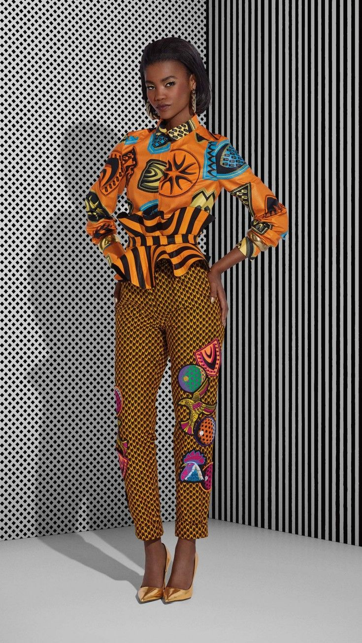 FASHION FUSION Listen up — this outfit has something to say! This Connoisseur of Style is a fearless fashionista, telling new stories by fusing the classic Fish Scale design with its new Java reinterpretation, together in one ultra stylish look.
