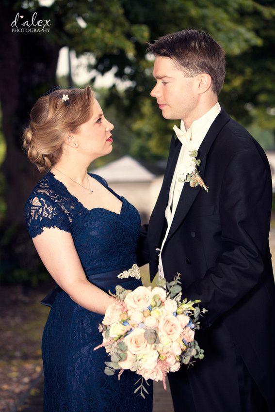 Bride & Groom Portrait at Porvoo Cathedral #finland #porvoo #summer #wedding #kialamannor #kiialankartano