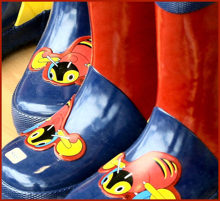 Buzy Bee Gumboots... Love these...
