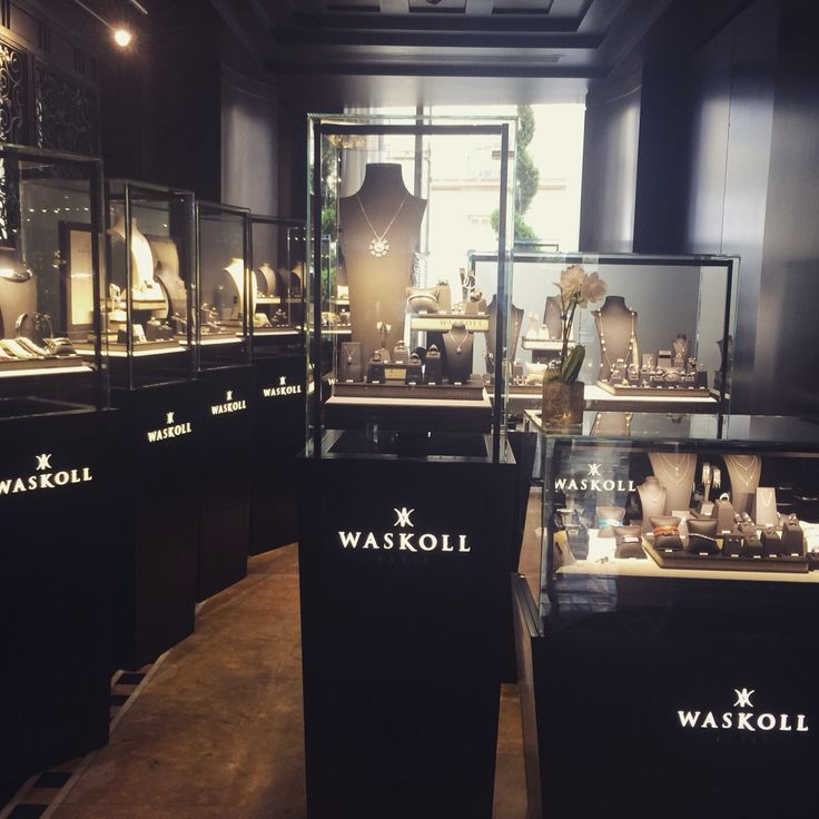"""House Waskoll is also present in the Hall of the """"Hotel du Collectionneur""""! Hoping to meet you there ! #waskoll #paris #stand  #hotelducollectionneur"""