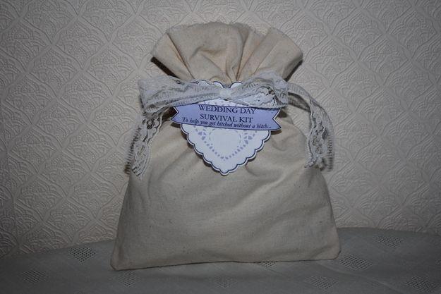 Não se esqueça de um kit de sobrevivência para o dia do casamento.