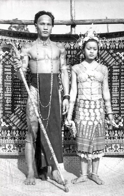 1950s Borneo Malaysia :: Dayak Couple