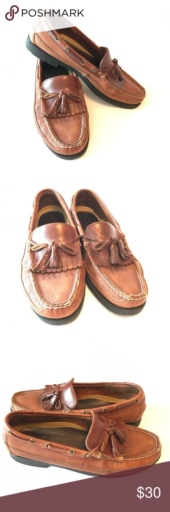"""SPERRY Mens Tassel Loafers A classic staple in every Southern & East coast gentleman's wardrobe, these rich brown leather tassel Loafers look equally handsome with slacks or shorts. Nonskid bottoms are essential for those """"work lunches"""" that turn into booze cruises. Lightly worn and ready for their next adventure! Sperry Top-Sider Shoes Loafers & Slip-Ons"""