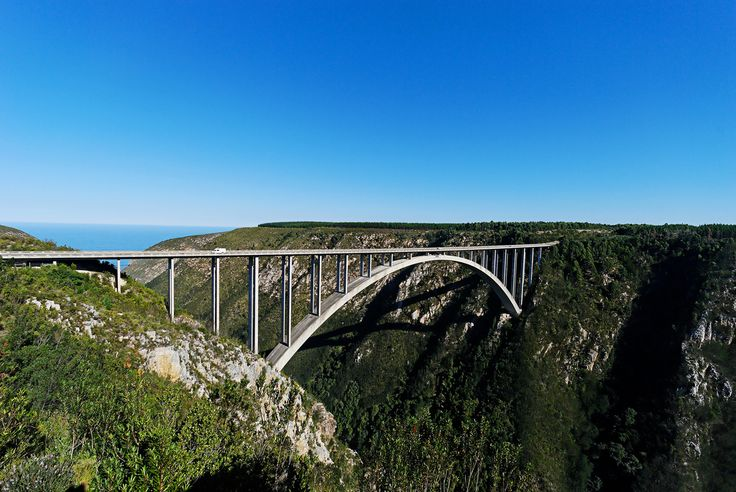 Ker & Downey Africa suggest Bungee Jumping off the highest and largest bridge in Africa at Bloukrans, Garden Route, South Africa.