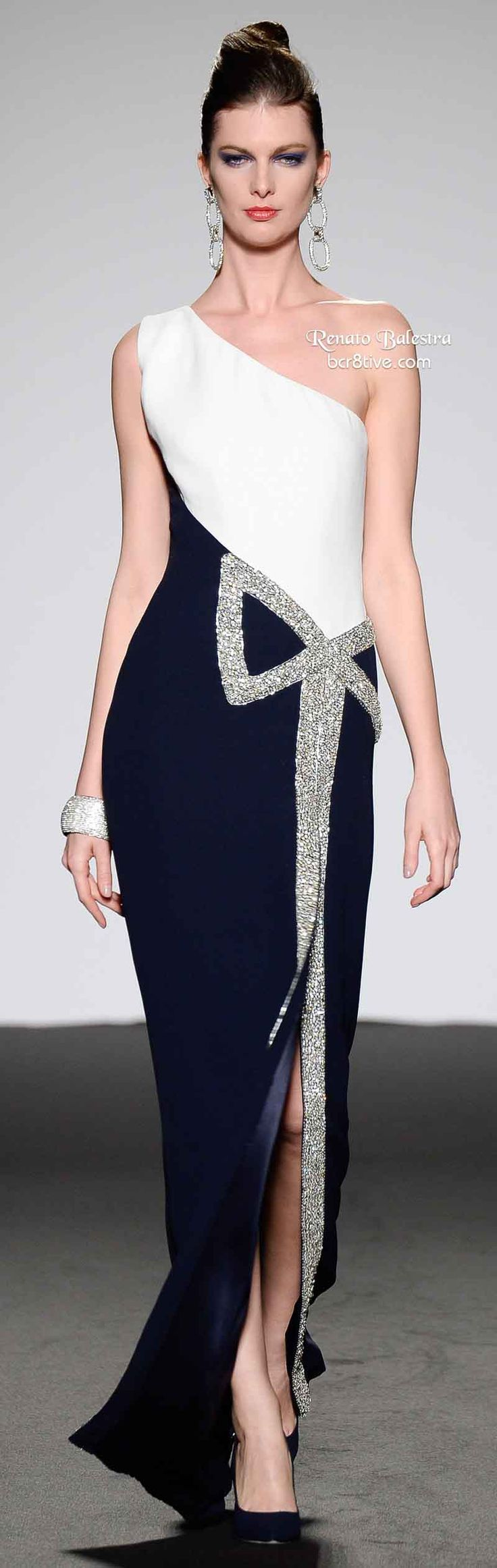 robe simple et chic, parfait pour cocktail party! Renato Balestra Spring 2014 Haute Couture
