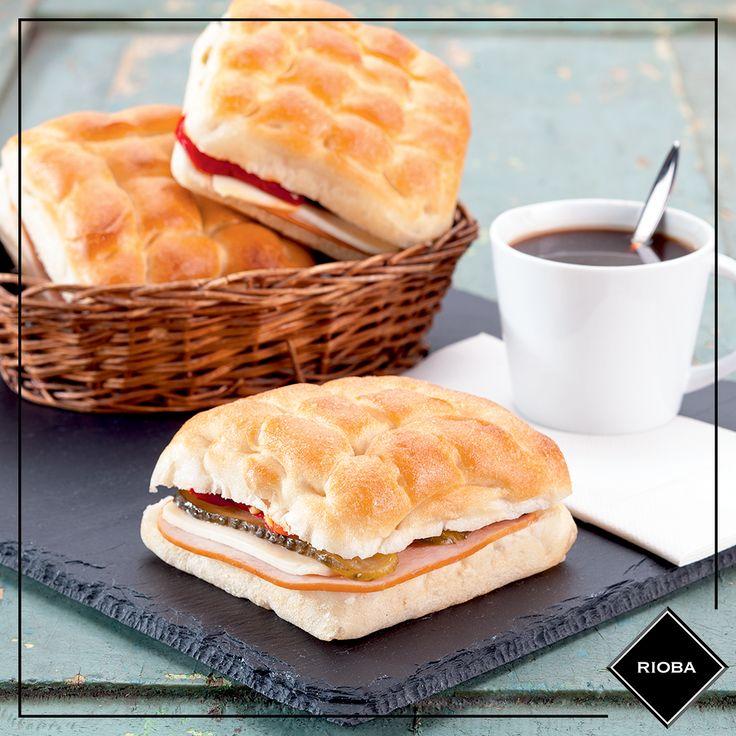 Kahve saati geldiğinde, Rioba kahvenin yanına en yakışan sandviçler Rioba'da. #rioba #kahve #coffee #sandwich