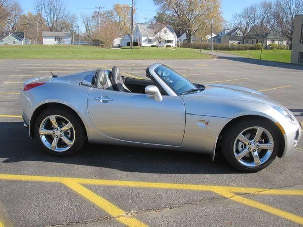 Used 2008 Pontiac Solstice for Sale ($18,000) at Cedar Rapids, IA