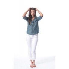 Bella Dahl Shirt Tail Button Down in Aged Denim - Selena Gomez, Jennifer Love Hewitt and Christina Aguilera love this shirt!
