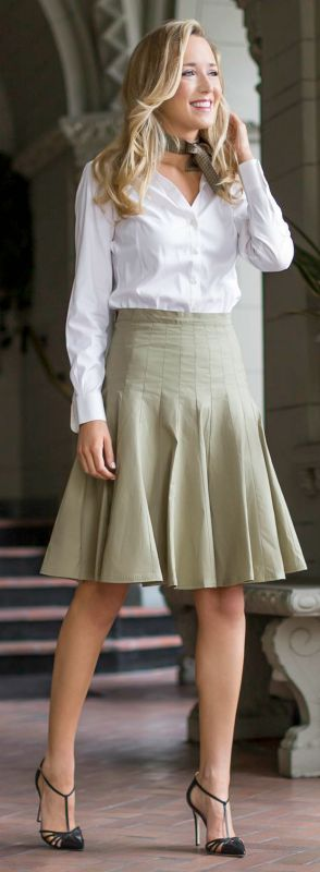 olive green flare skirt white button front shirt black pointy toe pumps + vintage silk neckerchief {marc by marc jacobs, brooks brothers, sjp collection}
