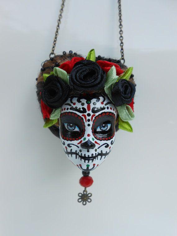 Sautoir tête de Barbie crâne mexicain Douce par Jennifleurcreations