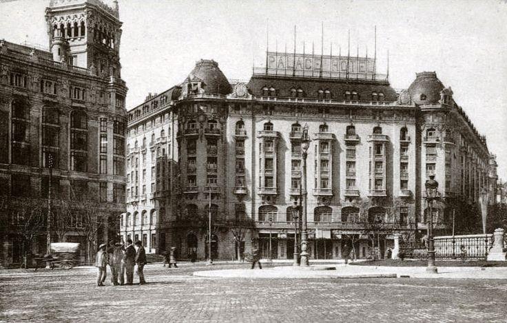 Baños Publicos Antiguos:El Hotel Palace, abrió sus puertas al público el 12 de octubre de