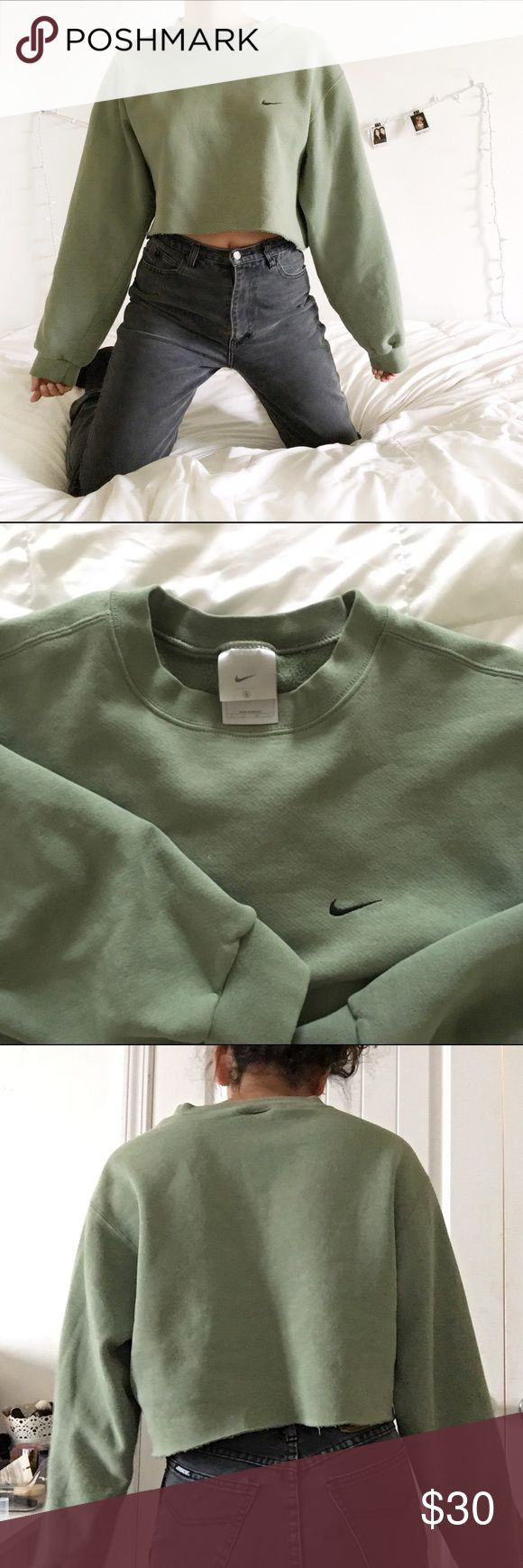 Vintage Nike Sweatshirt Vintage Nike sweater shirt|raw cut|size small but can fit a Medium and maybe a large|in perfect condition! Bought from dep0p| never worn out| Nike Tops Sweatshirts Hoodies