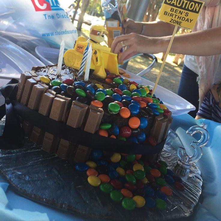 Paw Patrol cake for the Paw Patrol 3 year old birthday boy #bennybear #birthdayboy
