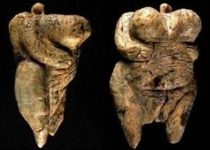 La Venere di Hohle Fels è considerata oggi la più antica figura umana mai ritrovata.