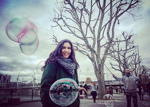 Ελένη Βαΐτσου: Στο Λονδίνο για τα γυρίσματα του Μπρούσκο!