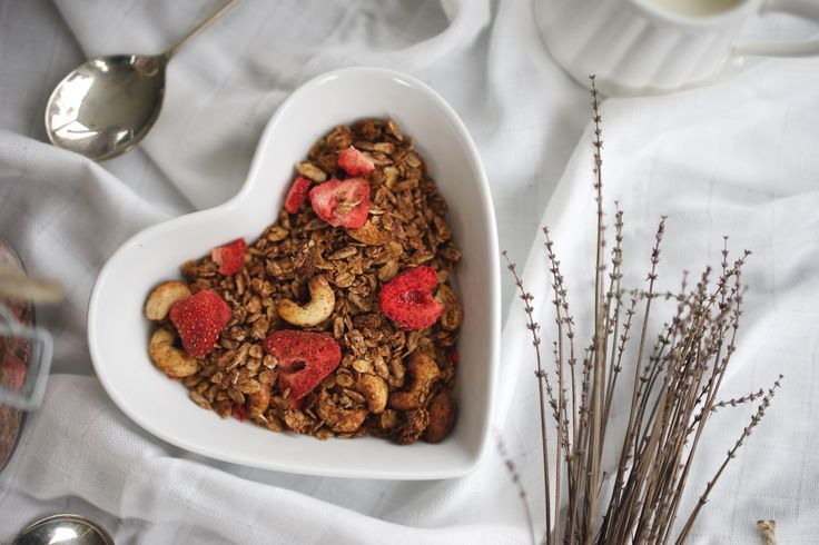 Chocolate and Strawberry Granola to cure an aching heart!