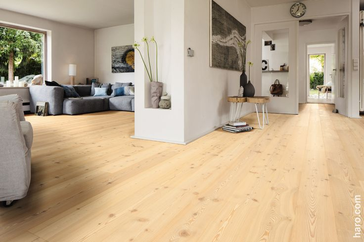 Unsere Parkett Landhausdiele Lärche weiß Sauvage zaubert einen Hauch Leichtigkeit in dein Zuhause.