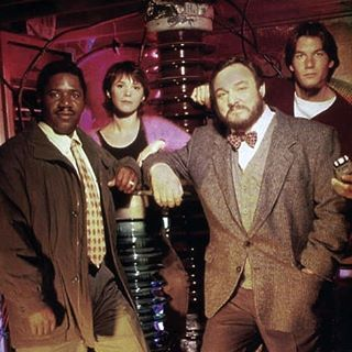 Good old times in 1995. The four original #Sliders cast members from the first season: Cleavant Derricks, Sabrina Lloyd, John Rhys-Davies and Jerry O'Connell. #cleavantderricks #sabrinalloyd #johnrhysdavies #jerryoconnell #basement #scifi #classic #goodtimes #instagood #series #tv #serienjunkie #rembrandtbrown #wadewells #arturo #quinnmallory #weekend #bringbacksliders