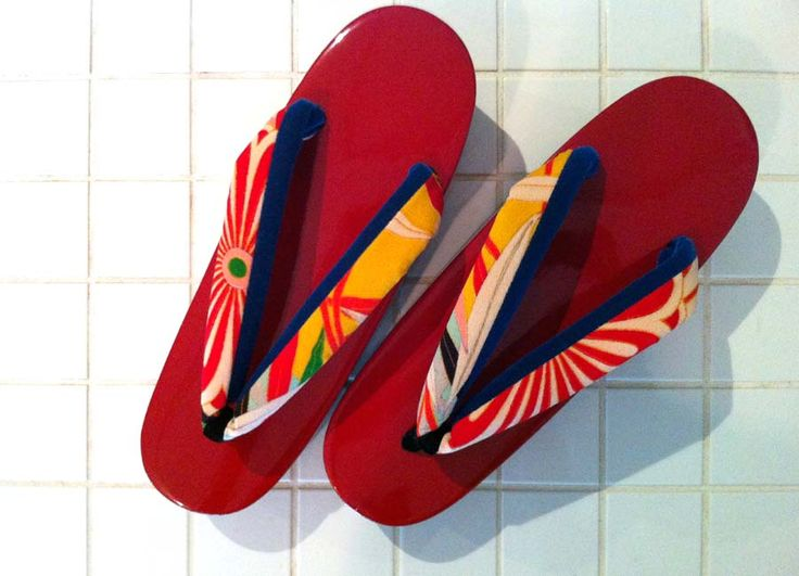 !! Rich Red !! strap: antique KIMONO fabric