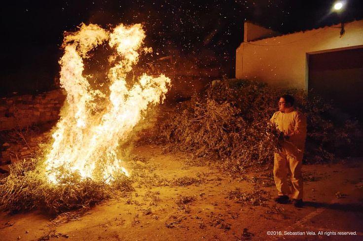 Lumbres de San Antón. Santisteban del Puerto (Andalusia, Spain). #tradition #europe #travelphotography #travel #santisteban #santistebandelpuerto #jaen #fire #night #nightlife #nightphotography #spain #photojournalism #journalism