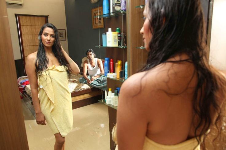 Sanjana Singh Hot HD Wallpaper – Rendavathu Padam Movie Review