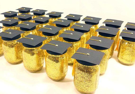 Pieza central de graduación, decoraciones de fiesta de graduación, gorras de graduación, fiesta de graduación de escuela secundaria, centros de mesa de mason Jar, conjunto de 6
