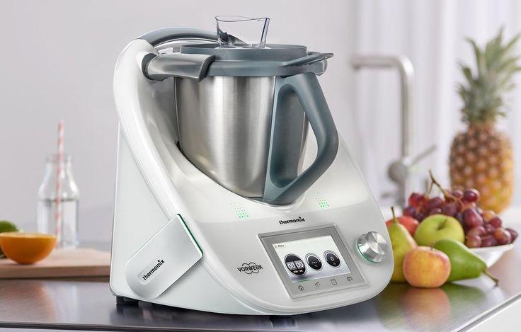¿Tienes Thermomix? Si tu respuesta es sí, prepárate para que tu robot de cocina eche humo este verano, pues hemos recopilado 101 recetas de Thermomix para no...