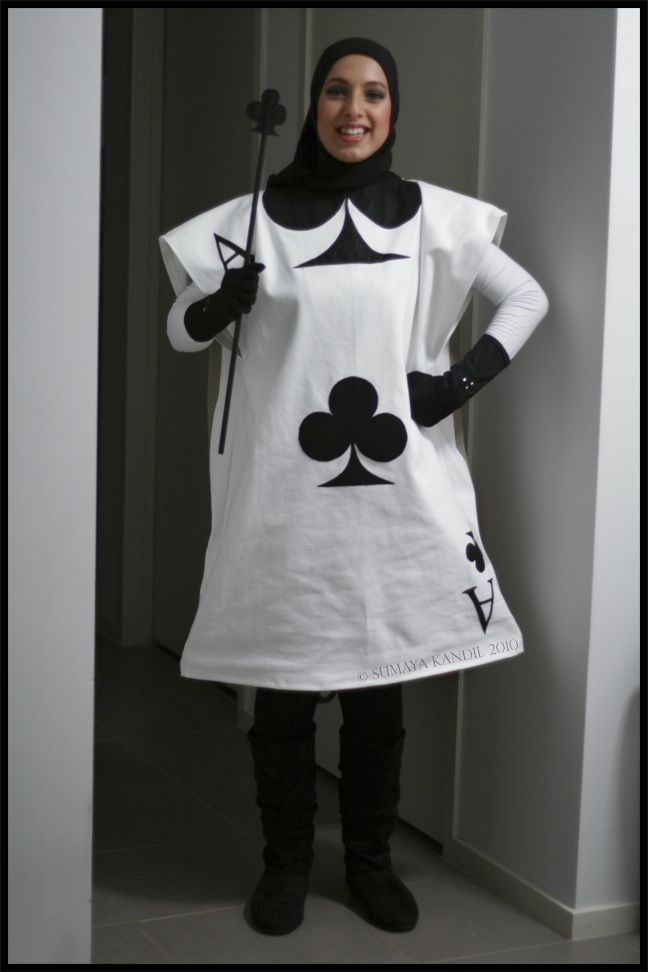 Alice in wonderland playing cards costume