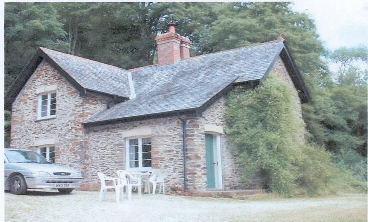 Gamekeepers Holiday Cottage to let on the Menabilly Estate near Fowey Cornwall.