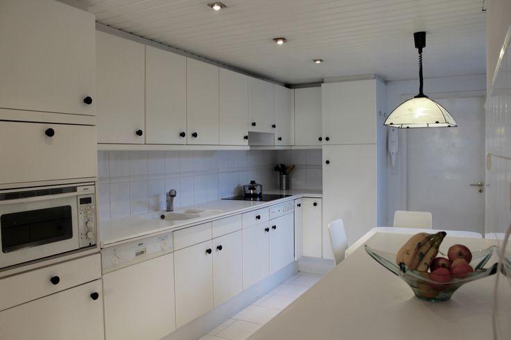 open keuken met toegang tot de garage