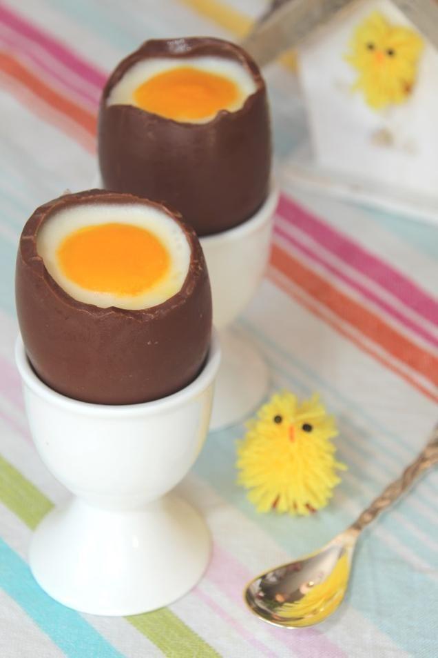 Gevulde paaseieren                              -                                  Geen zin in gekookte eieren? Deze staan ook prachtig bij het paasontbijt. Gevuld met citroenkwarktaart, onwijs lekker!
