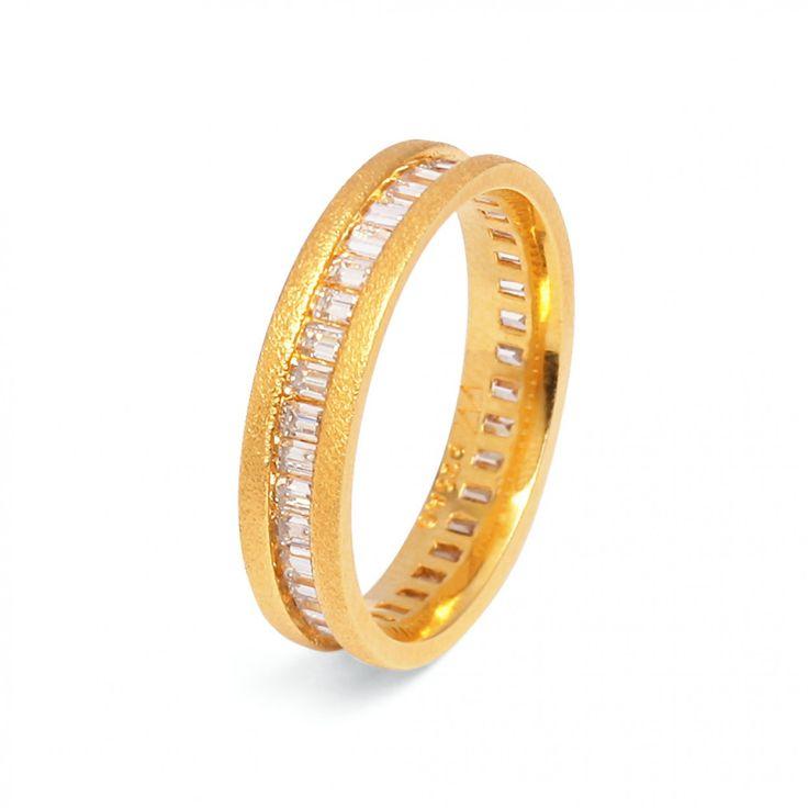BERND WOLF- Ring Babette in Silber mit einer 24 - Karat Goldplattierung in Premiumqualität mit funkelndem Zirkonia in Baguetteschliff. Jetzt entdecken unter www.berndwolf.de