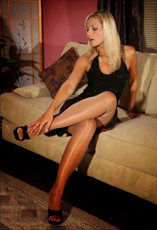 Secretary pantyhose shoes fetish high heels pedal pumping - 3 part 2