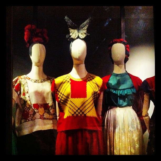 "Vestidos de Frida Kahlo. I bought the book ""Self Portrait in a Velvet Dress"", Frida's Wardrobe.  A great book with beautiful photography."