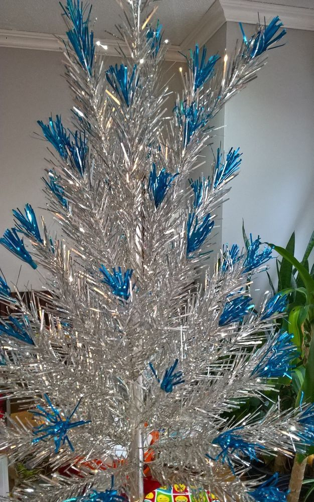 Evergleam Stainless Aluminum Christmas Tree Blue Tips Box Stand Branch Vintage