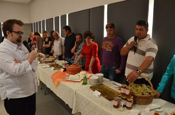 Το τραπέζι με τους εκθέτες #The exhibition participants !  #Patmos #Gastronomy