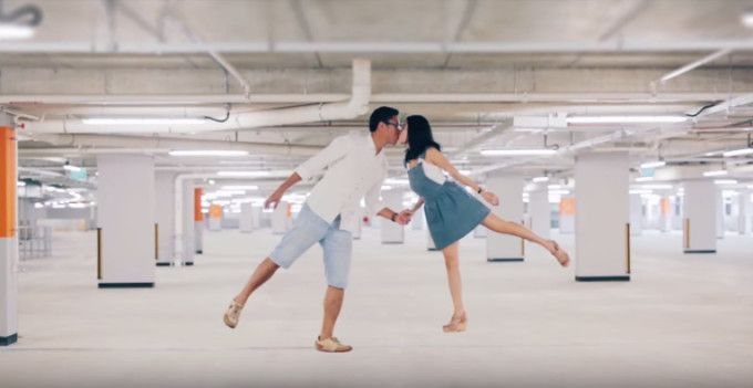 Watch: One Couple's Animated Engagement Photographs  - 001