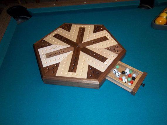 Inlaid Wooden Maple and Walnut 6 Player by mikeshandcrafted
