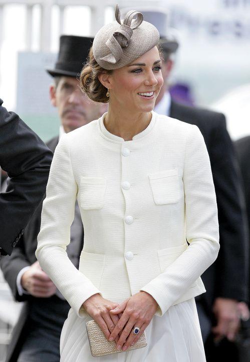 Bague de fiançailles Kate Middleton, saphir Princesse Diana