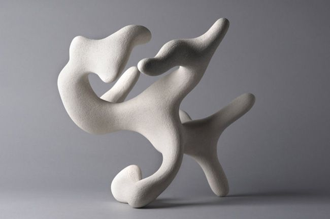 Organic sculptures of dorothée loriquet form