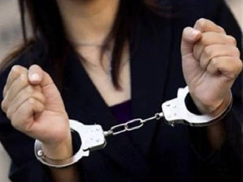 #NRIwoman arrested in the US for posing as 'CANCER PATIENT' to raise funds  An NRI woman has been arrested in San Francisco, California, in the US on allegations of scam, for fabricating to be a blood cancer patient and establishing funds through online fundraising sites such as Giving Forward.