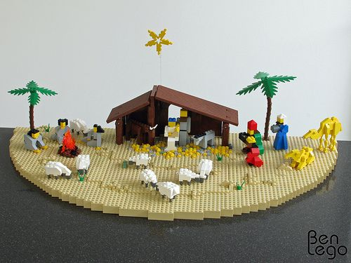 My uncle asked me to make a stable for his Nativity Scene minifigures. Link for the instructions of the Nativity Scene minifigures: staff.science.uva.nl/~leo/lego/nativity.html