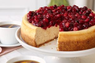 Holiday desserts are all about decadent treats. Just like our Cranberry-Glazed Cinnamon Cheesecake Recipe with Honey Maid Graham Crackers.