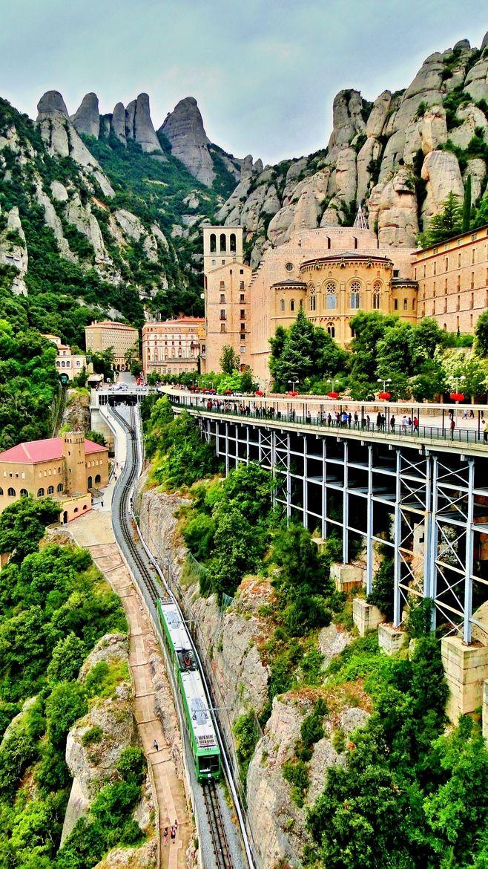 El cremallera del Monestir de Montserrat. CataloniaImage