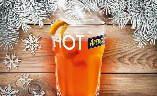 """Wir sind ja sowieso Fans des klassischen Aperol-Spritzers, doch die Winter-Version davon ist einfach göttlich! Hier das Rezept für den """"Hot-Aperol""""!"""