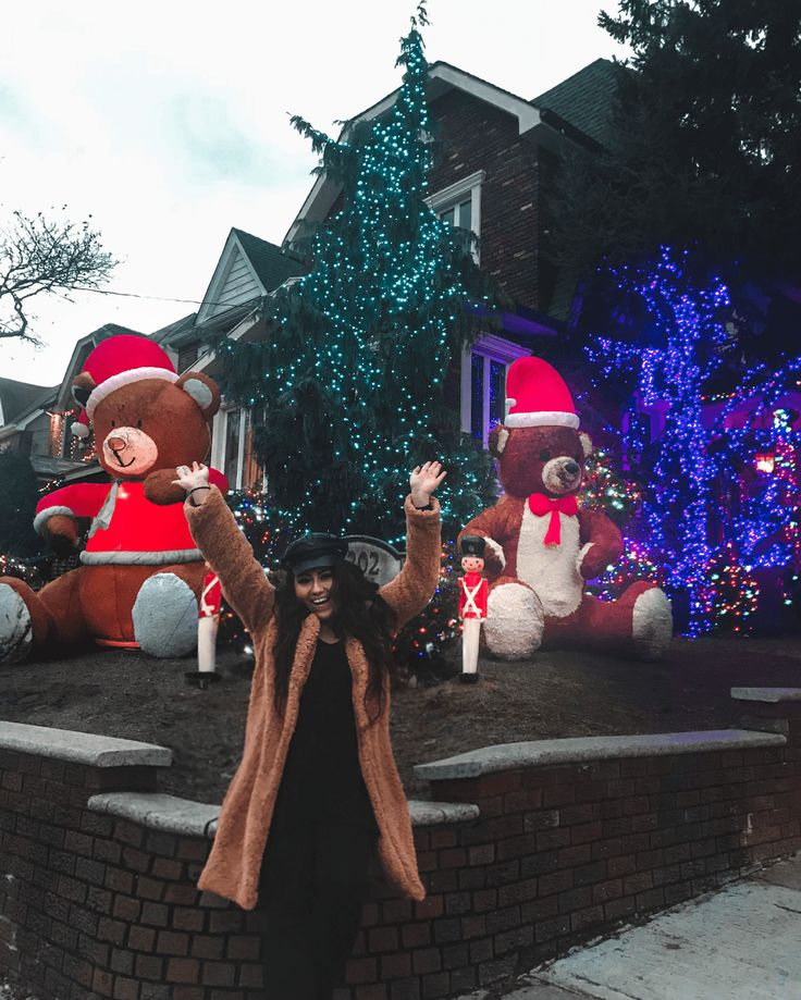 Holiday Lights in Dyker Heights in 2020 Holiday lights