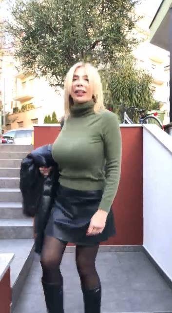Sonia Grey